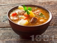 Рецепта Бистра супа със свинско месо, моркови, картофи, чушки, фиде без застройка